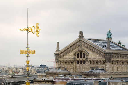 garnier: Snakes and arrow Roof Decorated with Opera House (Palais Garnier) in Paris, France Editorial