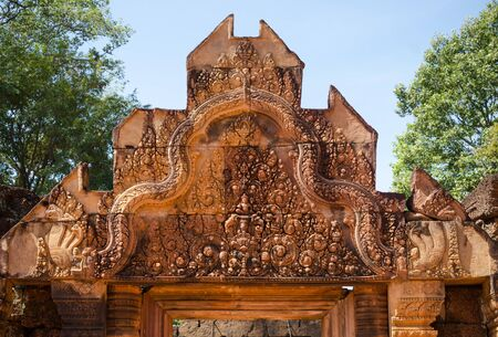 hindu: Carving details on top of the main entrance at Banteay Srei temple, Siem Reap, Cambodia