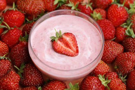Strawberry on cream Stock Photo - 3248648