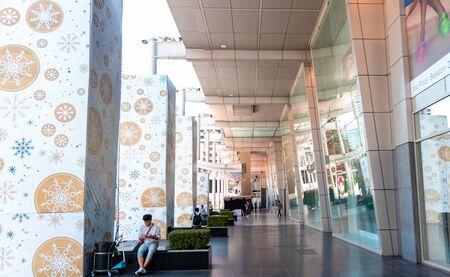 Bangkok, Thailand - November 29 2019: Central World Shopping Center in Bangkok. Central World is located right at the corner of Ratchaprasong intersection. Редакционное