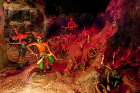 par: SINGAPORE - AUG.7,2016 : Haw Par Villa or Tiger Balm Garden is a park contains over 1,000 statues and 150 giant dioramas depicting scenes from Chinese mythology, folklore, legends, history, Singapore.