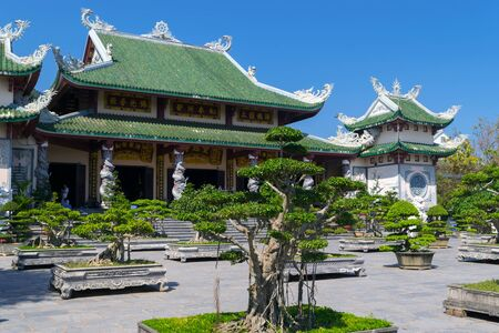 Da Nang, Vietnam - MAR 27, 2019, Linh Ung Pagoda built in contemporary style combined with inherent tradition of pagodas in Vietnam, with curved roof in dragon shape, an attractive spiritual tourist destination of Da Nang city. Редакционное