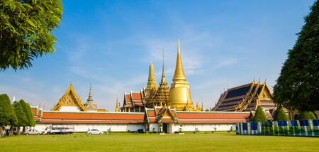 emerald city: Emerald temple is the landmark of bangkok province. (Thailand)