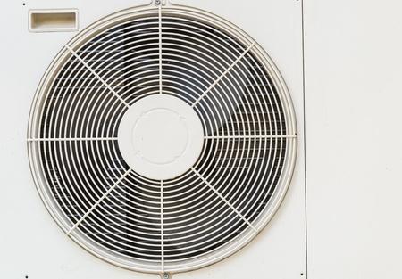 coolant temperature: Electric fan aircondition