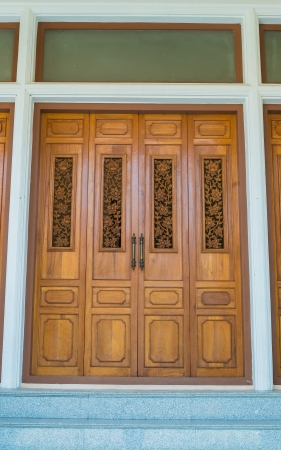 Beautiful door in bangkok province (Thailand) Stock Photo - 20361129