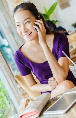 restuarant: Young women calling in restuarant