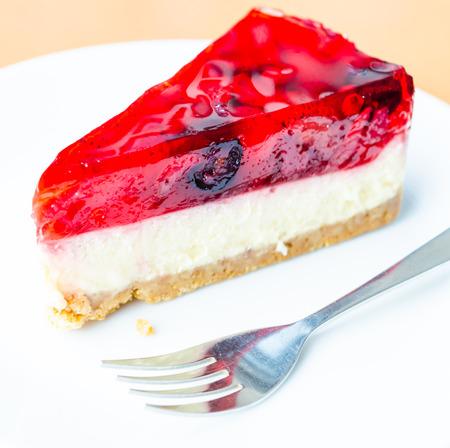 strawberry jelly: Strawberry jelly cake