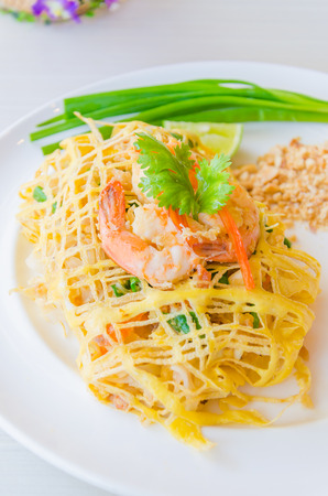 Pad thai Stock Photo - 29594224