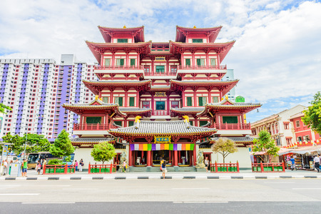 chinese temple: Buddha tooth temple in singapore