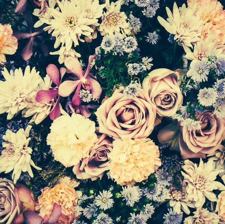 motif floral: Vintage vieux milieux de fleurs - images vintages de style d'effet Banque d'images
