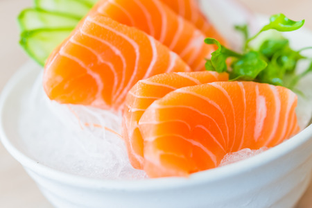 japanese food: Sashimi de salm�n - Estilo de comida japonesa