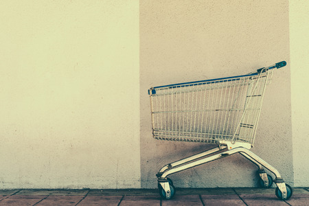 Shopping cart - Vintage effect style pictures Foto de archivo