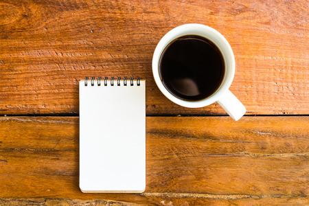 Kaffeetasse mit Notizbuch - Vintage-Effekt-Stil Bilder