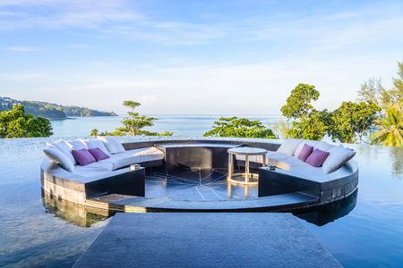 Außenterrasse mit Kissen Sofa
