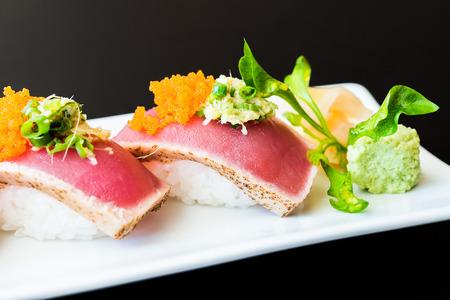 comida gourmet: Rodillo del sushi comida sana - Estilo de comida japonesa