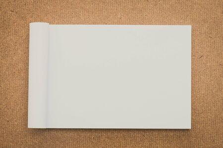 papel filtro: White paper mock up on wood background - vintage filter