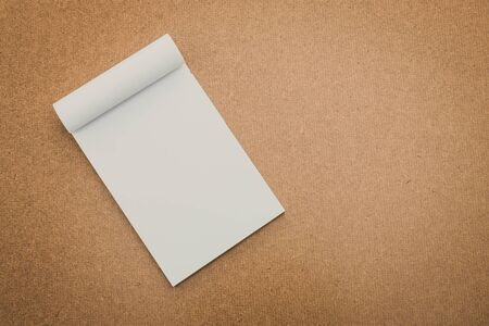 papel filtro: White paper mock up on wood background - vintage filter