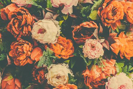 campo de flores: Hermoso fondo de la flor de la vendimia - efecto de filtro de la vendimia Foto de archivo