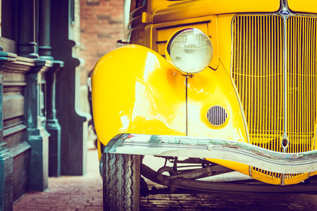 ヘッドライトのランプ ビンテージ車 - ビンテージ フィルター効果 写真素材 - 42865204