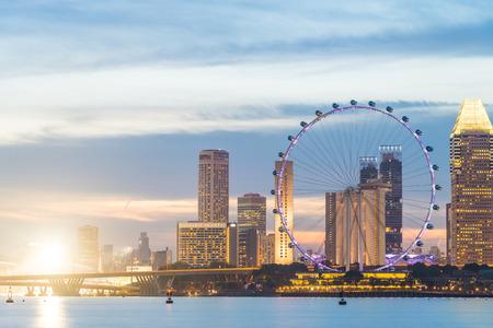 Singapore Flyer auf Sonnenuntergangszeiten
