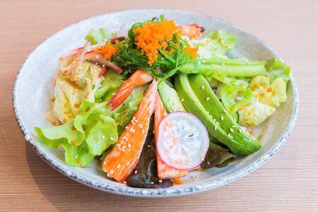 comida japonesa: Japanese seafood salad - healthy food
