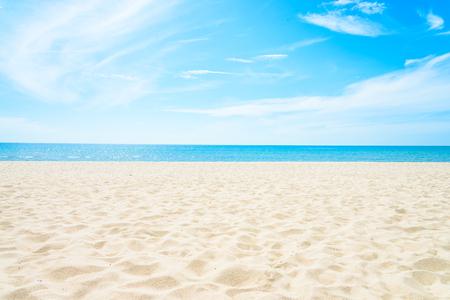 빈 바다와 해변 배경 복사 공간 스톡 콘텐츠