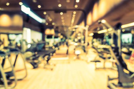 Streszczenie rozmycie fitness gym room interior tła - Vintage filtr