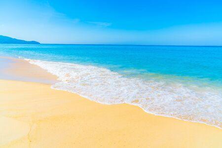 Schöne tropische Landschaft Strand Meer und Sand für den Urlaub