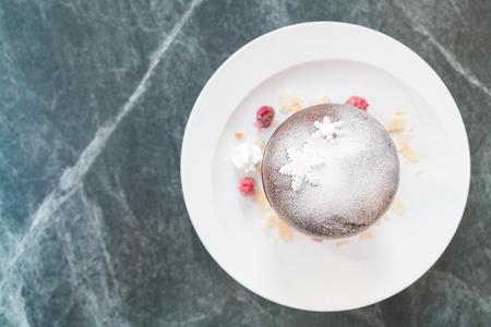 cioccolato natale: Chocolate christmas ball dessert - Soft focus point