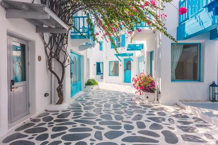 construcción Arquitectura exterior con hermosa Santorini y estilo grecia - filtro de luz de la vendimia