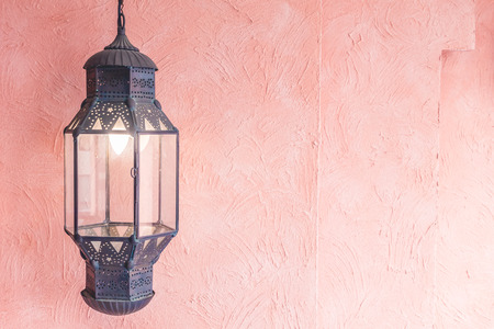 point de mise au point sélective sur le Maroc lanterne lumière décoration intérieure salon chambre - Vintage Filtre Lumière Banque d'images