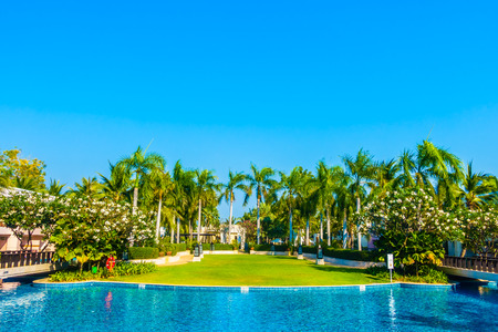 hotel resort: Beautiful luxury Swimming pool in hotel resort