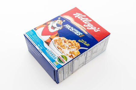 cereal box: BANGKOK, THAILAND - MAY 27, 2016 :  Cereal box brand kelloggs isolated on white background Editorial