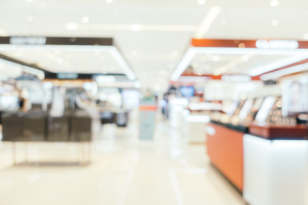 Abstract blur with bokeh and defocused shopping mall in deparment store for background