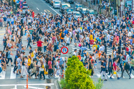 Tokyo, Japan Jul 29, 2018 : Shibuya intersection or crossing is the popular and landmark place in tokyo for shopping eating and have a lot of pedestrain in here Reklamní fotografie - 109449739