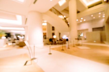 Abstrakte Unschärfe und defokussiertes Hotel- und Lobbyinterieur für Hintergrund