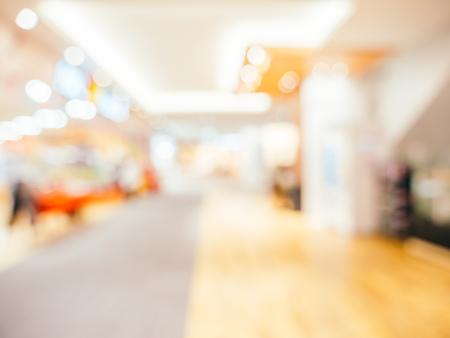 Abstrakte Unschärfe und defokussiertes Einkaufszentrum des Kaufhauses für den Hintergrund Standard-Bild