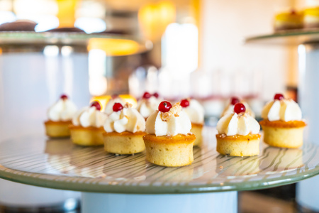 Sweet dessert bakery catering buffet in restaurant and coffee shop cafe 版權商用圖片