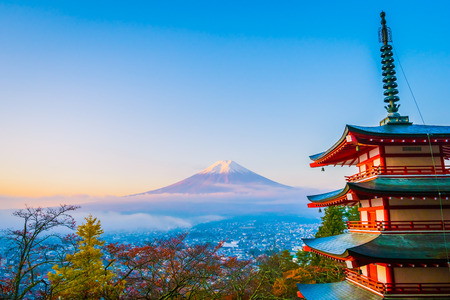 Beautiful landscape of mountain fuji with chureito pagoda around maple leaf tree in autumn season at Yamanashi Japan 스톡 콘텐츠 - 114944316