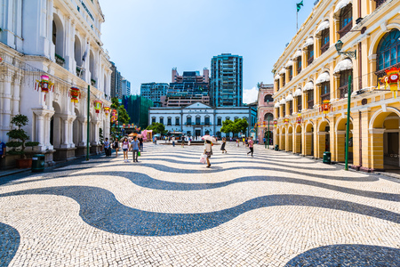 China, Macau - 6. September 2018 - Schönes altes Architekturgebäude um Senado-Platz in Macau-Stadt Editorial