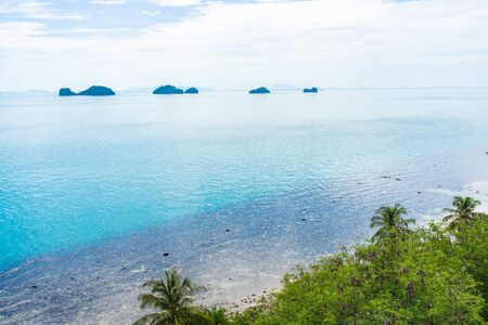 Beautiful outdoor tropical beach sea around samui island with coconut palm tree and other for holiday vacation travel Reklamní fotografie
