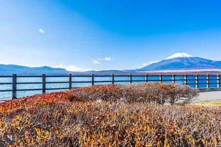Beautiful landscape of mountain fuji around yamanakako lake Japan Foto de archivo - 129838677