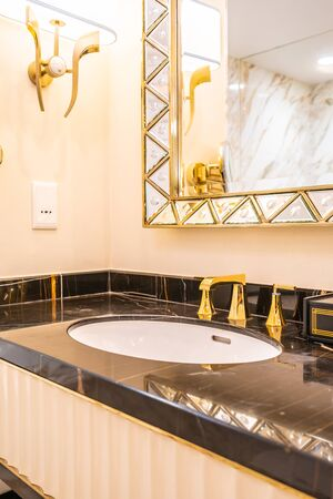 beautiful luxury faucet and sink decoration in bathroom interior Stok Fotoğraf