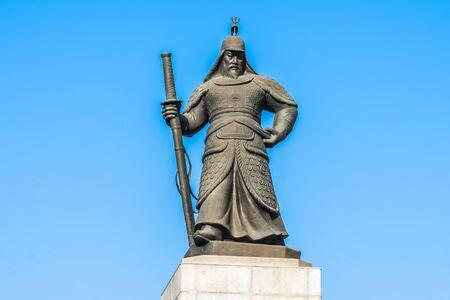 Beautiful Statue Admiral Yi Sun Shin in Seoul city South Korea Imagens