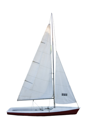 白い背景にヨット