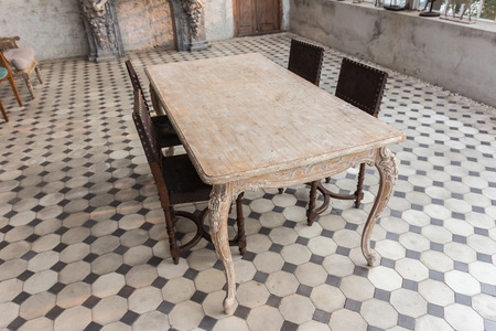 dinning room: Dinning room table and chairs