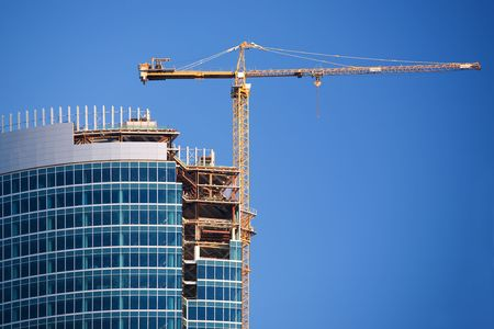 crane tower: Construction of a skyscraper in Moscow, early morning