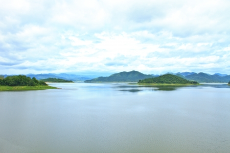 view of Kaeng Krachan Dam Standard-Bild