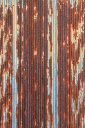 Rusted galvanized iron roof plate, background and texture material Standard-Bild
