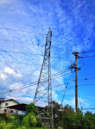 volts: Power lines volts